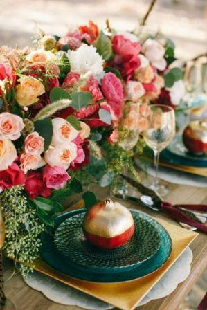 30-Gorgeous-Ways-To-Incorporate-Pomegranates-Into-Your-Wedding-Day4