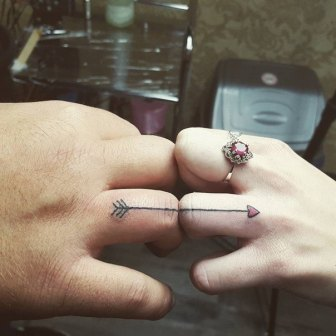 arrow-wedding-ring-tatoo